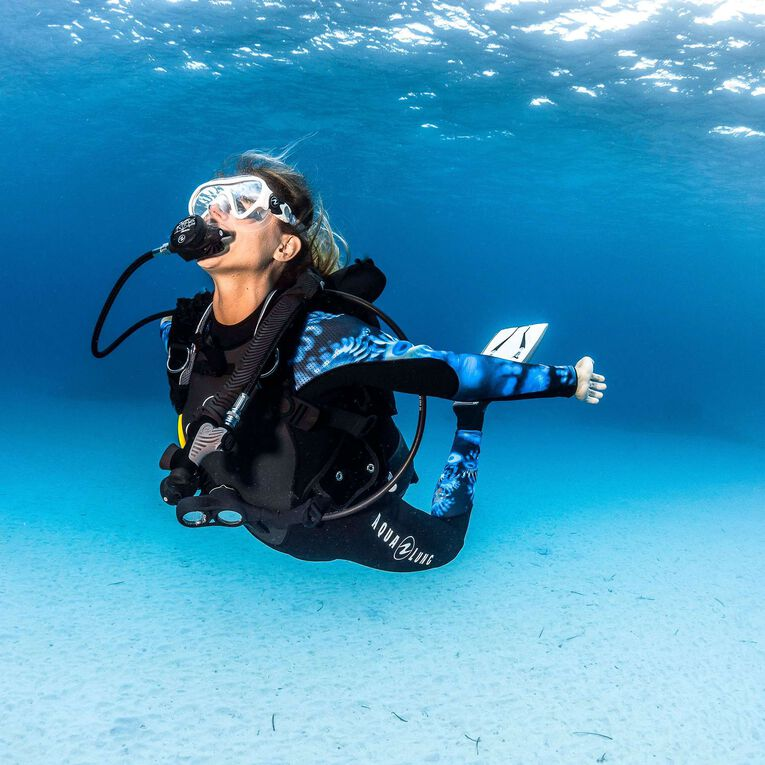 HydroFlex Coral Guardian 3mm Wetsuit Women, Black/Blue, hi-res image number 5