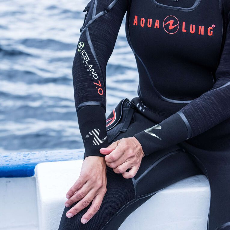 Iceland 7mm Semi Dry Wetsuit Women, Black/Coral, hi-res image number 4